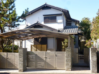 外壁・屋根リフォーム 塗装だけでなく高圧洗浄することで全体的にキレイになった外観