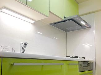 キッチンリフォーム 収納力を高め雰囲気も明るくなったキッチン