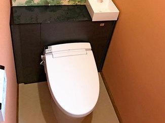 トイレリフォーム 自宅サロンを利用するお客様のためのスッキリ機能的なトイレ