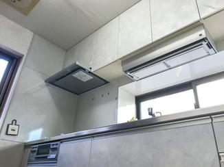キッチンリフォーム お気に入りの壁とも相性よく仕上がったキッチン