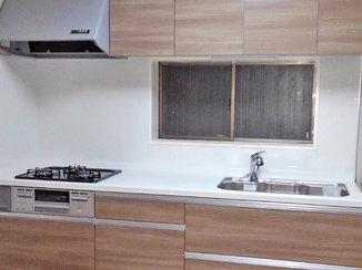 キッチンリフォーム サイズアップで作業スペースが増え、使いやすくなったキッチン