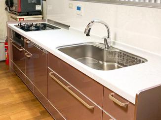 キッチンリフォーム 利便性と耐久性が上がったかっこいいキッチン