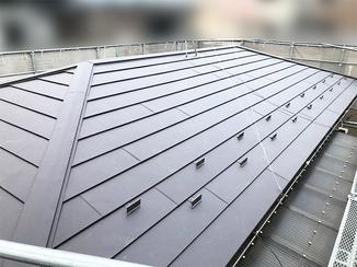 外壁・屋根リフォーム 雨漏りを解消し、地震に備えた軽い屋根